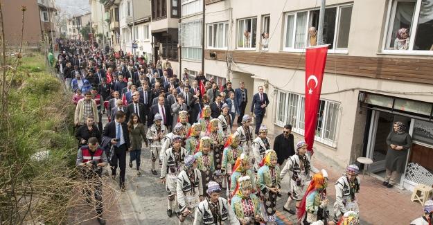 Bursa'nın fethinin 693. yıldönümü kutlamaları büyük bir coşku içerisinde gerçekleştirildi
