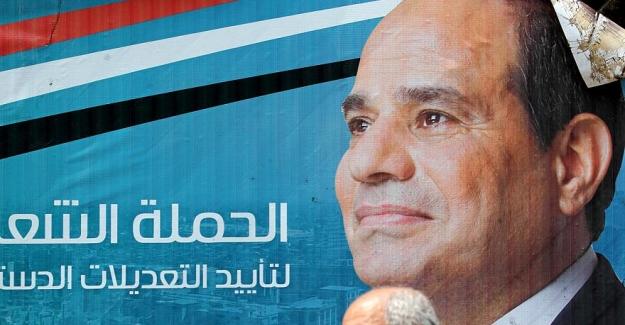 Mısır parlamentosu Sisi'nin 2030'a kadar görevde kalmasını öngören Anayasa değişikliğini onayladı