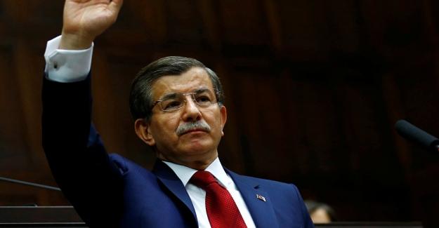 """Ahmet Davutoğlu: """"Ümidi kaybedenin yarını olmaz, konuşmaktan korkmayın.."""""""