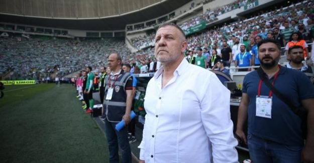 Bursaspor Teknik Direktörü Mesut Bakkal istifa etti