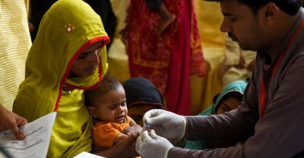 Pakistan'da yüzlerce çocuğa HIV bulaştı