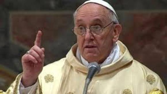"""Papazlar da zıvanadan çıktı; PapaFranciscus, """"Kiliselerdeki cinsel istismar mutlaka rapor edilecek"""""""