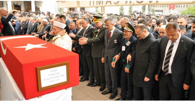 Şehit Özdemir son yolculuğuna memleketi Kırıkkale'de uğurlandı