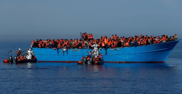 Tunus açıklarında göçmen teknesi battı: En az 70 ölü