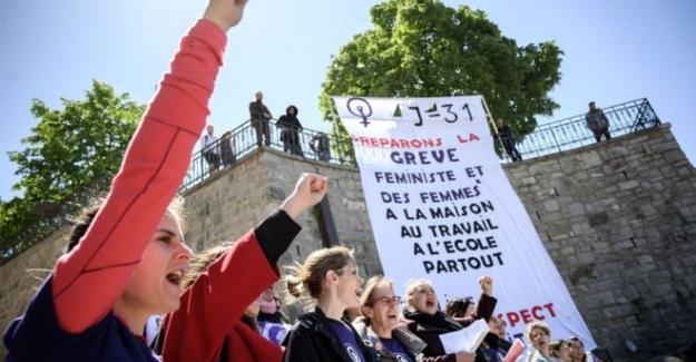 İsviçre'de kadınlar 28 yıl sonra yeniden eşitlik talebiyle sokaklarda