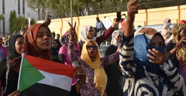 Sudan'da askerlerin saldırısında ölenlerin sayısı 113'e yükseldi