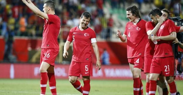 Türkiye Fransa maçı öncesi moral buldu: Türkiye 2-0 Özbekistan