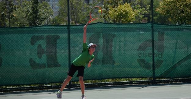 16 yaş Tenis Yaz Kupası başladı