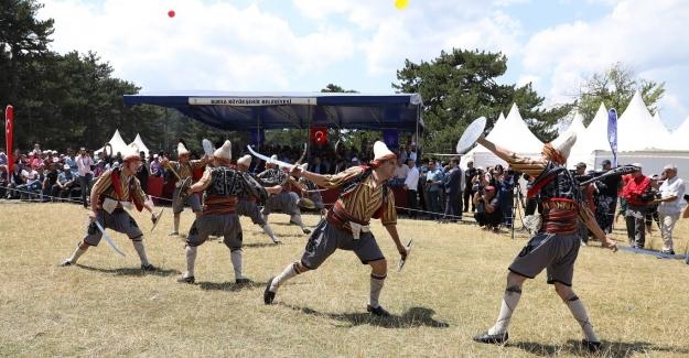 4. Türk Dünyası Ata Sporları Şenliği renkli açıldı