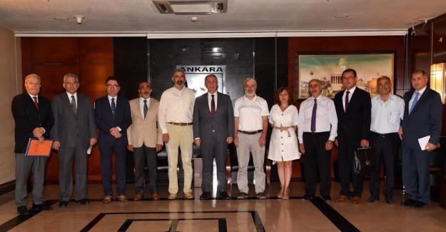 Ankara belediyesi çalışanlarına 25 yıl sonra ilk kez bayram ikramiyesi