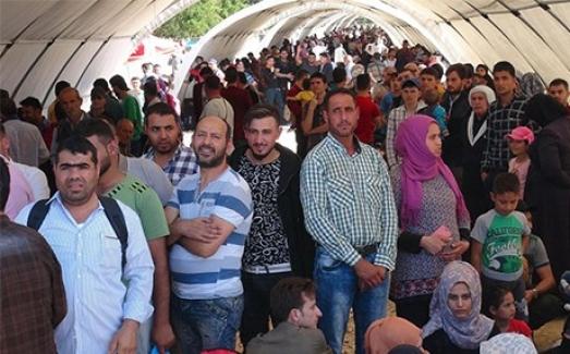 """AK Parti Antalya Milletvekili Ata Uslu, """"Türkiye'de geçici koruma statüsünde yaklaşık 3 milyon 657 bin Suriyeli yaşıyor"""""""