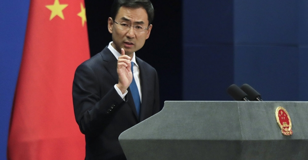 """Çin'den İngiltere'ye çağrı: """"Hong Kong'a karışma, orası artık İngiliz sömürgesi değil!.."""""""