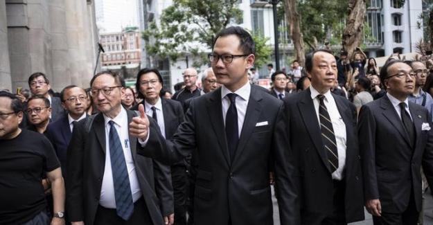 """Hong Konglu avukatlardan """"sessiz"""" adalet talebi"""