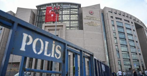 Yazar Ayşe Tözeren gözaltına alındı