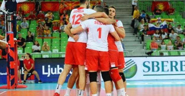 A Milli Erkek Voleybol Takımı, Kuzey Makedonya'yı mağlup etti