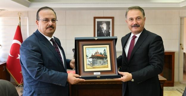 """Vakıfbank Genel Müdürü Üstünsalih: """"Bursa'yı kararlılıkla destekliyoruz"""""""