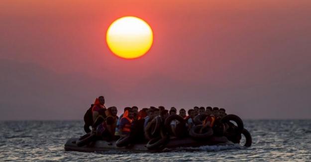 Yunanistan'a sığınmacı akını devam ediyor