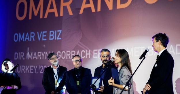 """""""Omar ve Biz"""" Varşova Film Festivali'nden ödül ile dönüyor"""