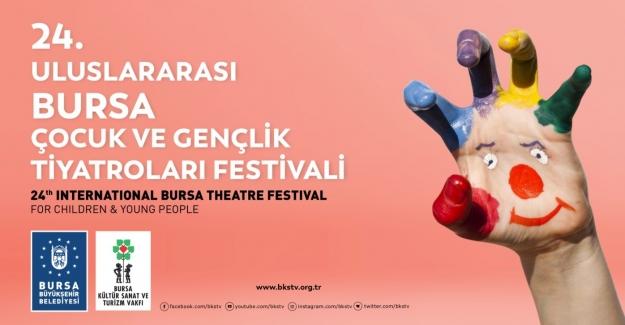 Uluslararası tiyatro festivali 'perde' diyor