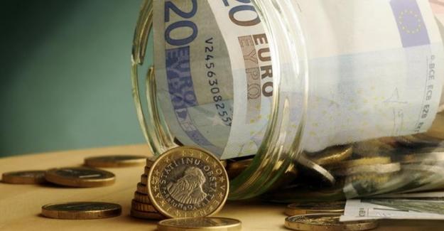 """Almanya'da """"yastık altı"""" birikim 235 milyar euro"""