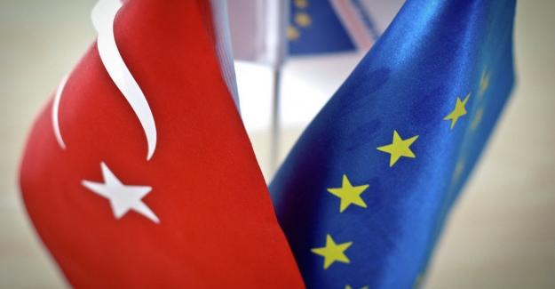 """Erdoğan'ın """"Kapıları Açarız"""" uyarısından sonra, AB'den Türkiye'ye mülteciler için 50 milyon euro"""