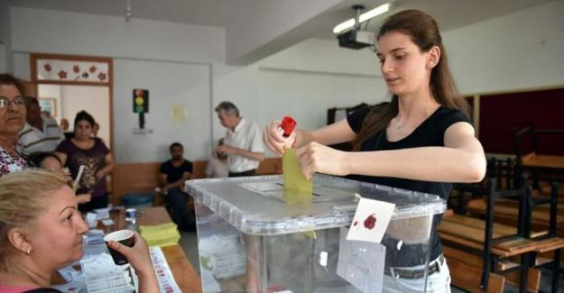 Türkiye'de yerel yönetimlerde kadının adı yok