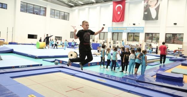 Engelli çocuklar Nilüfer'de cimnastik ile hayata tutuyor
