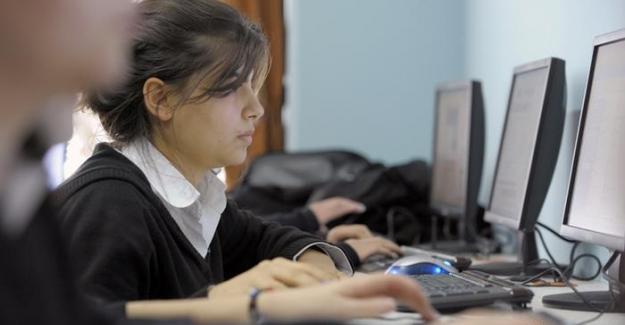"""Türkiye'deki çocuklarda """"eleştirel düşünce"""" ve """"sorgulama"""" zayıf"""