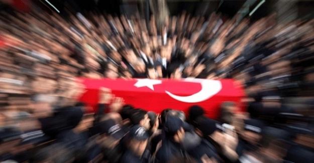 İdlip'te 33 Şehidimiz Var! Mübarek Gecemize Kan Sürdüler! Gün Artık 'Milli Birlik Günü'dür!
