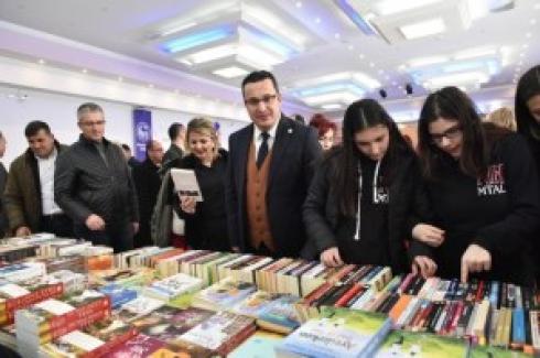 """Mustafakemalpaşa'da """"Kitap Günleri"""" başladı"""
