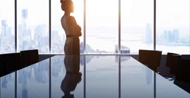 """Kadınlar çalışma hayatında kalamıyor : """"Erkek ekonomi, erkek kamu!.."""""""