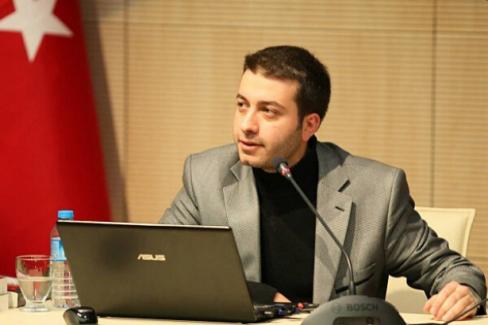 Yeniçağ Genel Yayın Yönetmeni Batuhan Çolak'ın görevine son verildi