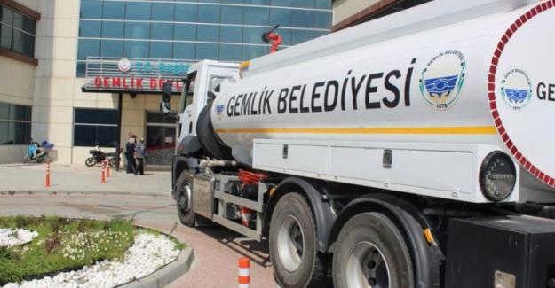 Gemlik Belediyesi'nden kurumlara dezenfeksiyon desteği