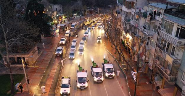 Bursa Caddelerinde Dezenfeksiyon Çalışması