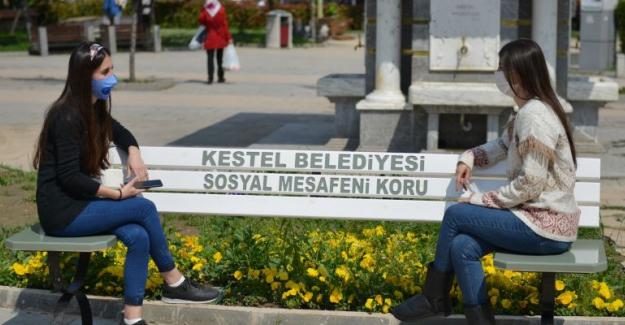 """Belediye yaparsa halk zaten uyar: """"Sosyal Mesafeli Bank"""""""