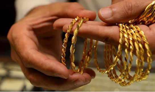 Altın bir kez daha tarihi rekor kırdı