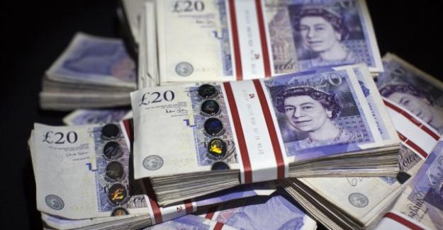 İngiliz Hükümeti 900 bin kamu çalışanına enflasyonun üzerinde zam yapıyor