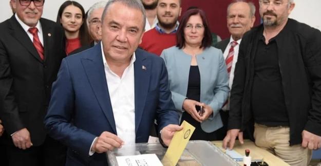 Antalya Büyükşehir Belediye Başkanı Muhittin Böcek de koronavirüs'e yakalandı