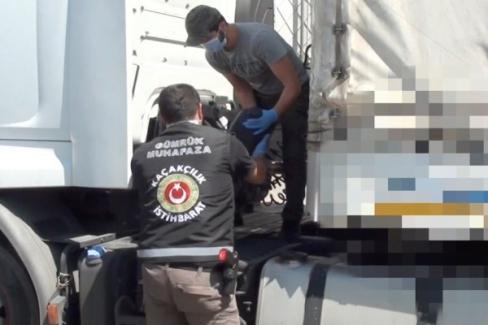 Habur'da 7 milyon 172 bin liralık uyuşturucu ele geçirildi