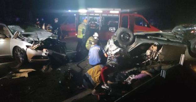 İnegöl'de zincirleme kaza: 4 ölü, 6 yaralı
