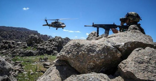 Jandarma Genel Komutanlığı'ndan Hakkari'de Hava Destekli Operasyon