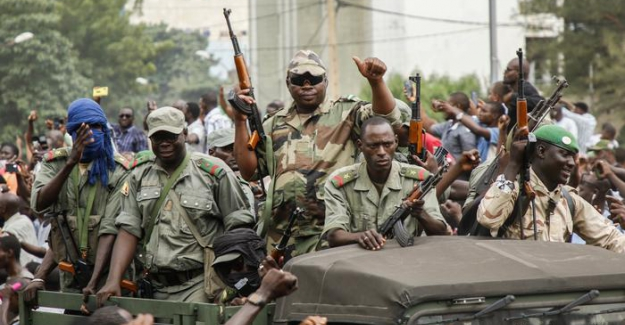 Mali'de askeri darbe: Cumhurbaşkanı Keita istifa etti