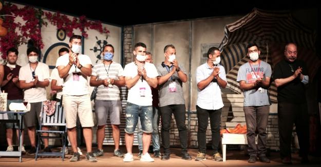 Nilüfer Belediyesi Kent Tiyatrosu'ndan muhteşem final