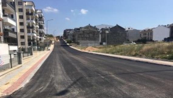 Osmangazi'de İmara Açılan Yeni Yollar Asfaltlanıyor