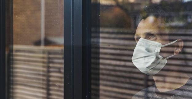 """Prof. Dr. Carl Heneghan. """"Koronavirüs testleri ölü virüsleri tespit ederek hatalı pozitif sonuçlar verebilir"""""""