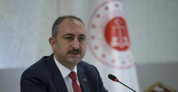 """Adalet Bakanı; """"Hukuk fakülteleri için YÖK'ten sıralamayı ilk 100 bine yükseltmelerini talep ettik"""""""