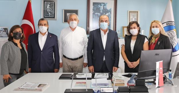 AKP'li Mudanya Belediye Meclisi Üyesi CHP'ye geçti