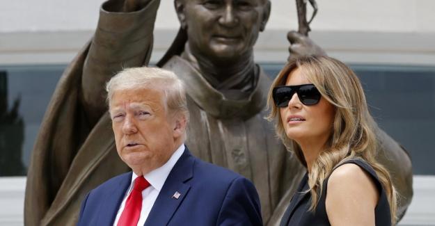 Donald Trump ve Eşi Melania'nın COVID-19 testi pozitif çıktı