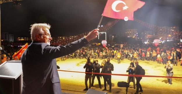 Nilüfer'de yürekler Cumhuriyet için attı