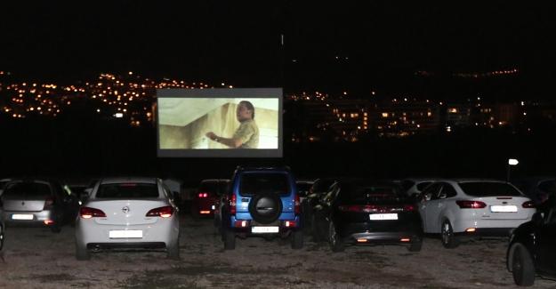 Arabalı Sinema 'Nasipse Adayız' filmi ile final yaptı